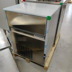 Isterningemaskine  90 kf / 24 timer - SP930 fra Omniwash, BRUGT