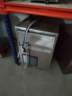 Isterningemaskine fra Brema Ice, brugt