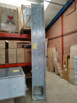 Fejlbestilling DHR stålbord med vanger Bredde (mm): 3600 Dybde (mm): 500 Bagkant: Ja Vask: Ja højre side