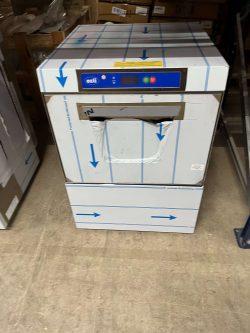 Underbordsopvaskemaskine fra Ozti til 50x50 bakker, DEMOMODEL