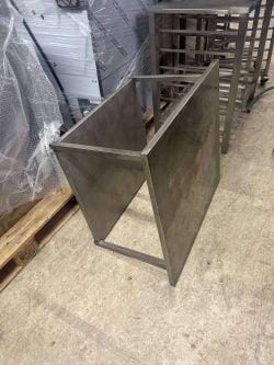 Understel med underhylde i stål, brugt
